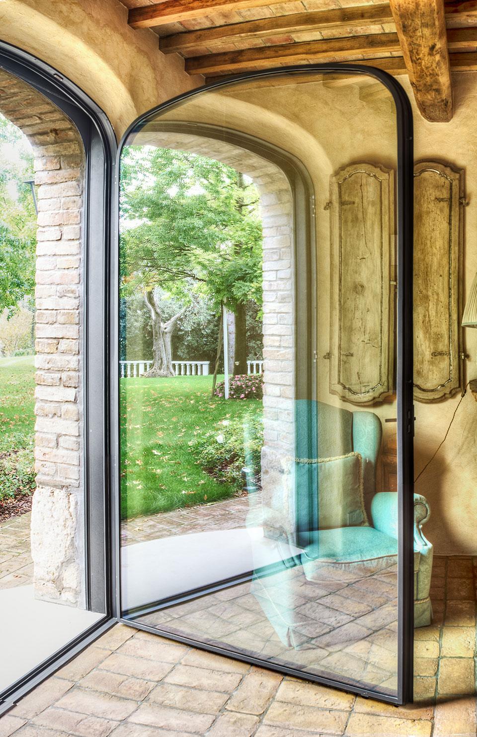 arch_arco_corten_door_finestram-window_garden_giardino_giommi_glass_minimal_personalised_personalizzato_porta_residential_residenziale_vetro_3